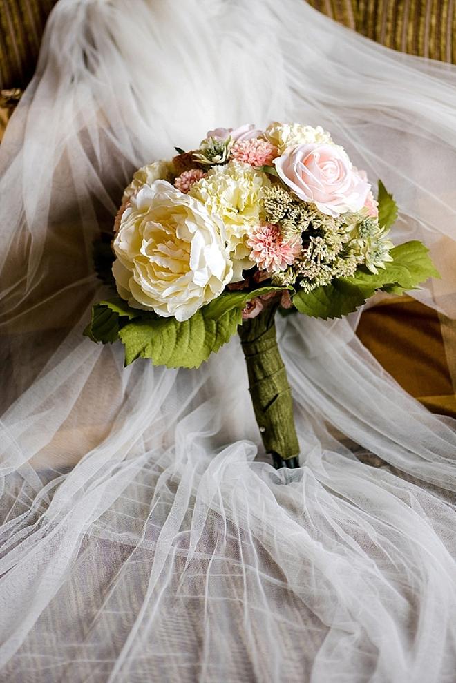 In LOVE with this Bride stunning handmade silk flower bouquet!