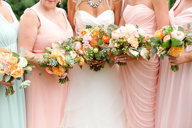 We love snaps of the Bride and her Bridesmaid's bouquets!