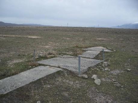 airmail-concrete-arrow-6