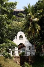 Pidurungala-Temple