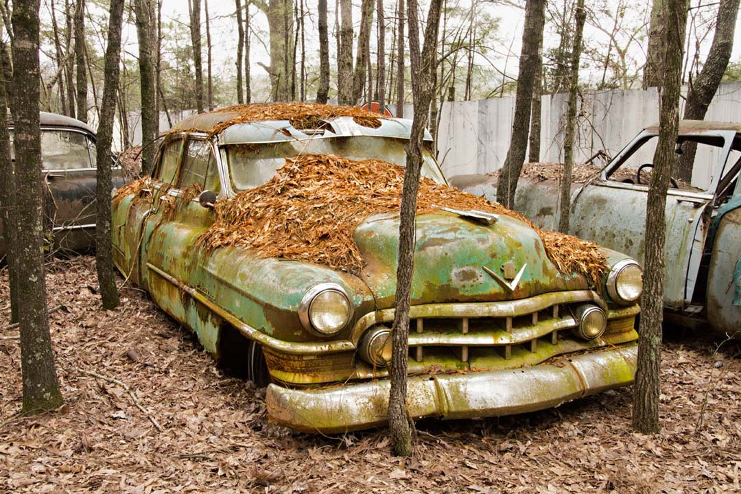 World's Largest Old Car Junkyard: Old Car City U.S.A.