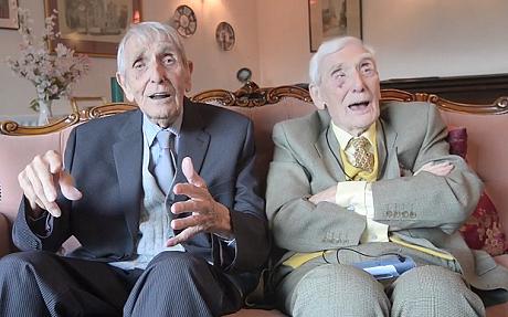 twins live longer