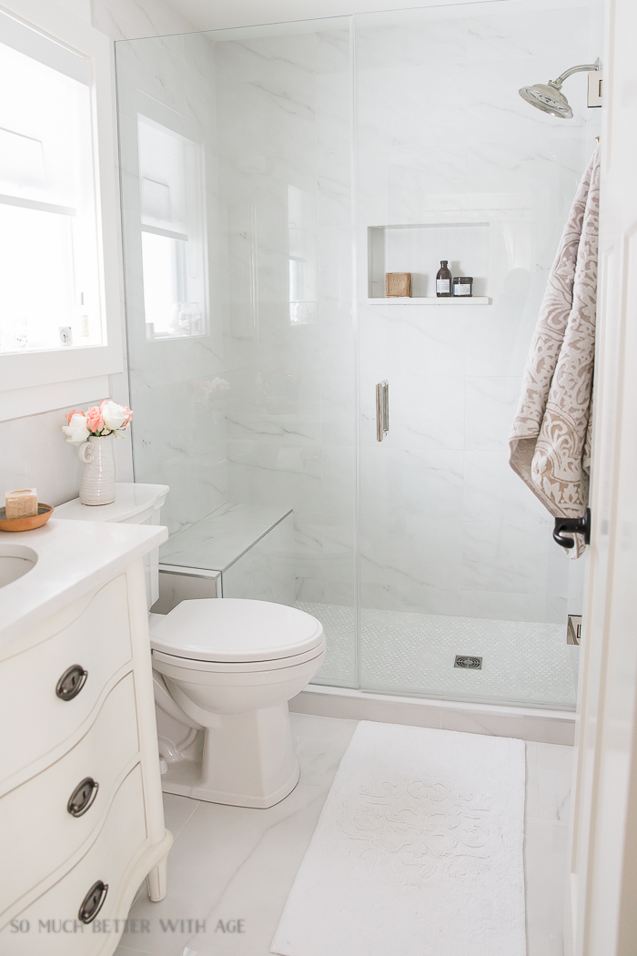 Small Bathroom Renovation and 13 Tips to Make it Feel Luxurious So
