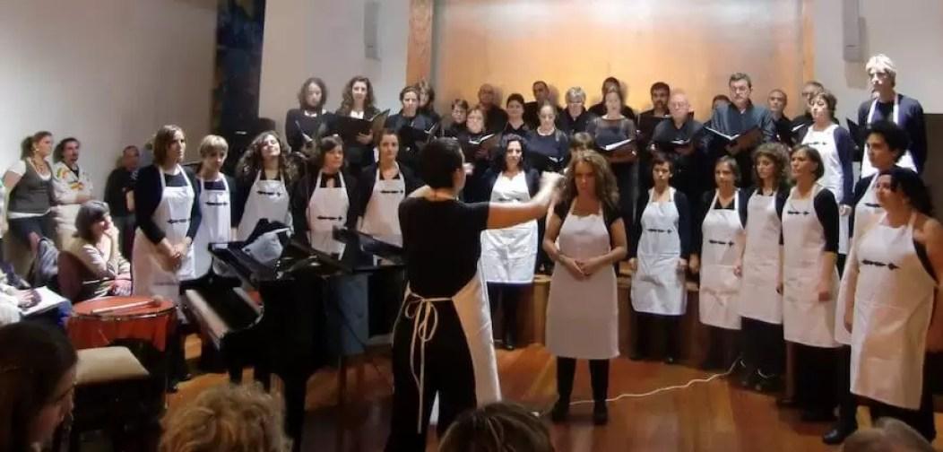 2012'XI'18. IV MONO+GRAPHIC. 'Tempsiabo' por el CoroDelantal, con Isabel García como solista