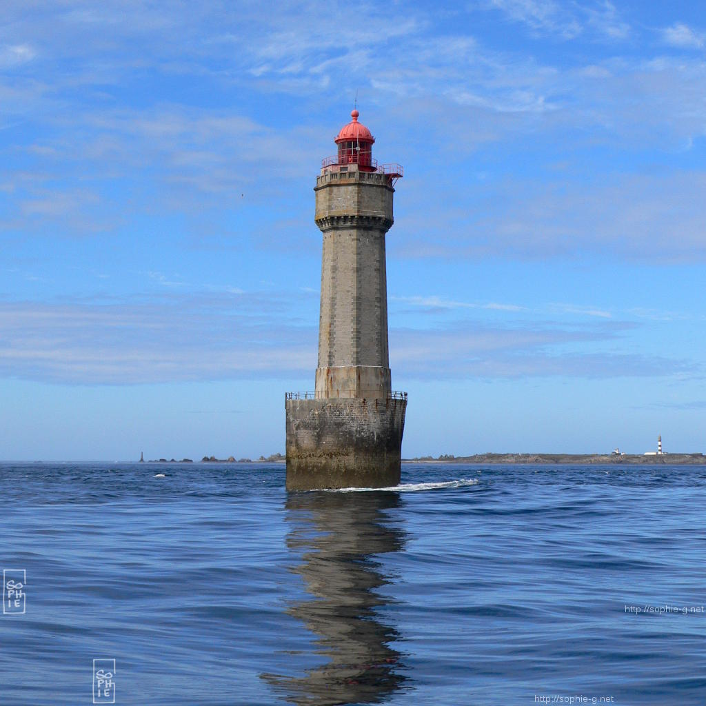 400 800 Hd Wallpaper La Jument Lighthouse Sunny 1024 215 1024 Desktop Wallpaper