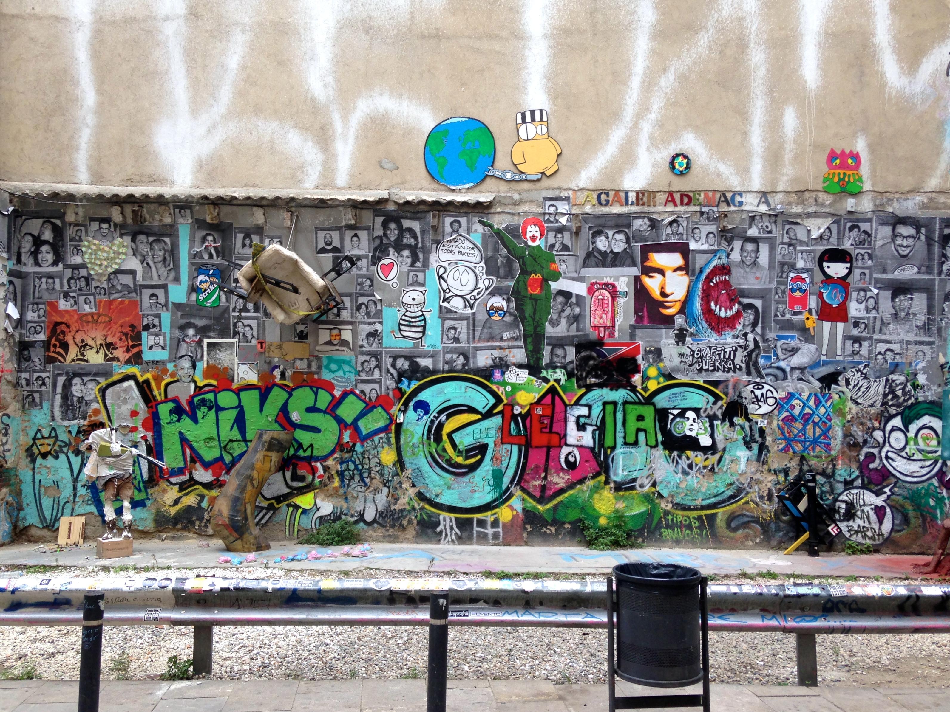 Collaborative graffiti wall