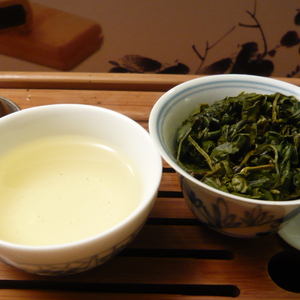 Taiwan Cui Yu Green Jade High Mountain Oolong