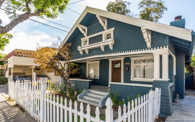 1909 Craftsman: 1865 Rodney Dr., Los Angeles, CA 90027