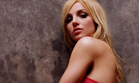 Music_Britney_Spears_walls_051982_