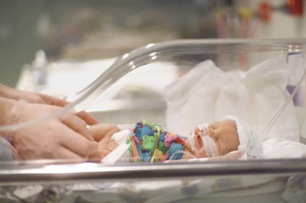 Провідний лікар розкрив болісну правду про недоношених дітей