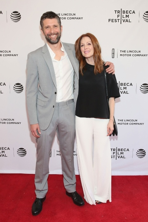 julianne-moore-and-bart-freundlich