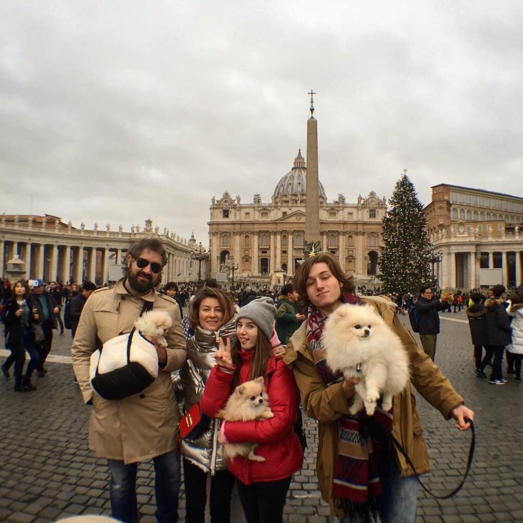 Жанна бадоева с мужем и детьми фото
