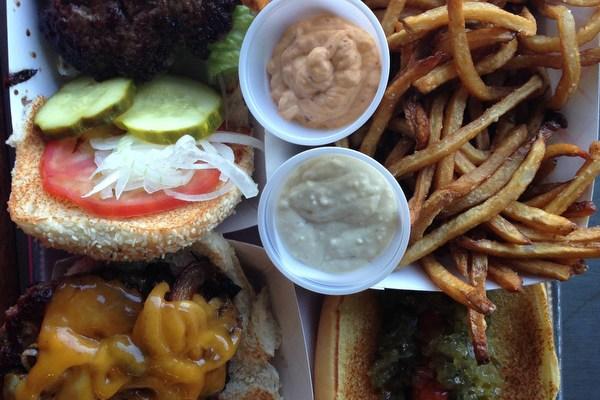 Hamburgers at The Filling Station (North)