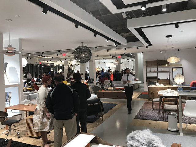Design Within Reach Opens in Paramus