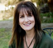 Meet Author Shellie Rushing Tomlinson