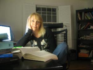 Nicole R Dickson