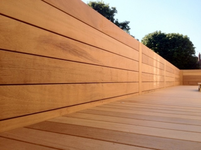 Range Bois Exterieur Iroko 20 X 140mm Smooth Double - Southgate Timber
