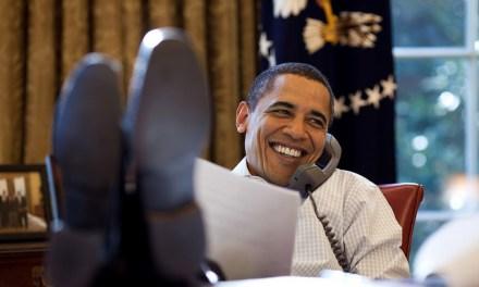 Obama, el presidente de los pies sobre la mesa