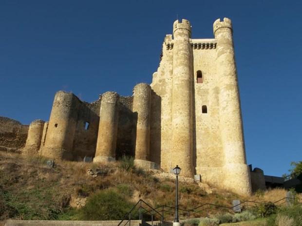 Castillo-Valencia_de_Don_Juan-Castillo_de_Coyanza1