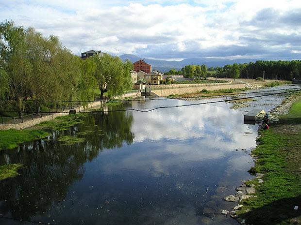 Río Cúa a su paso por Carracedelo / Foto de Bierzonatura