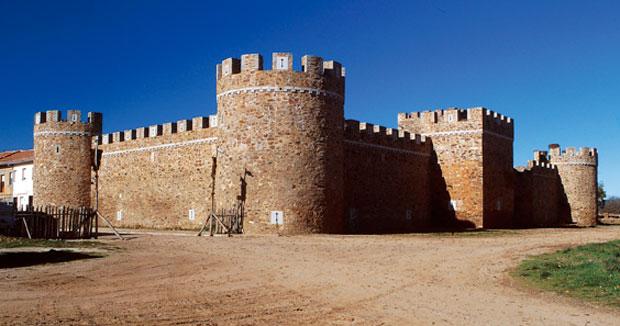 Castillo de los Pimentel de Alija del Infantado