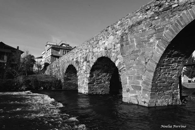 Puente romano en Vega de Espinareda / Noelia Perrino