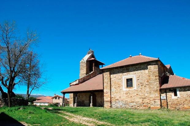 Iglesia de Pedredo en La Maragatería leonesa