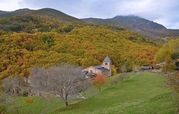 Monasterio de San Pedro de Montes (El Bierzo)