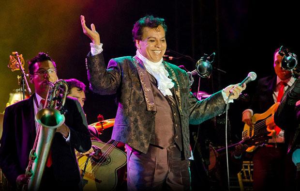 El cantante y compositor mexicano Juan Gabriel