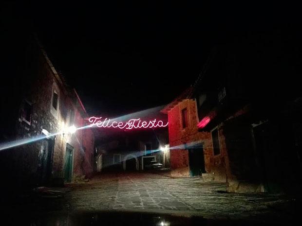 Luces navideñas en Castrillo de los Polvazares
