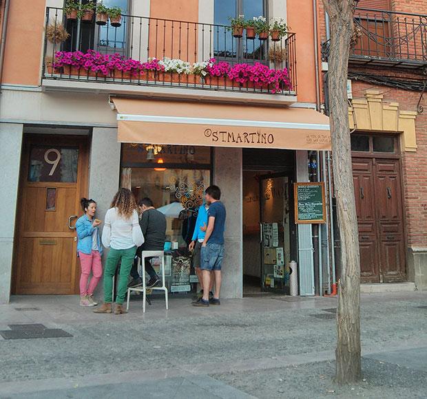 Bar Santo Martino en la plaza del mismo nombre de León