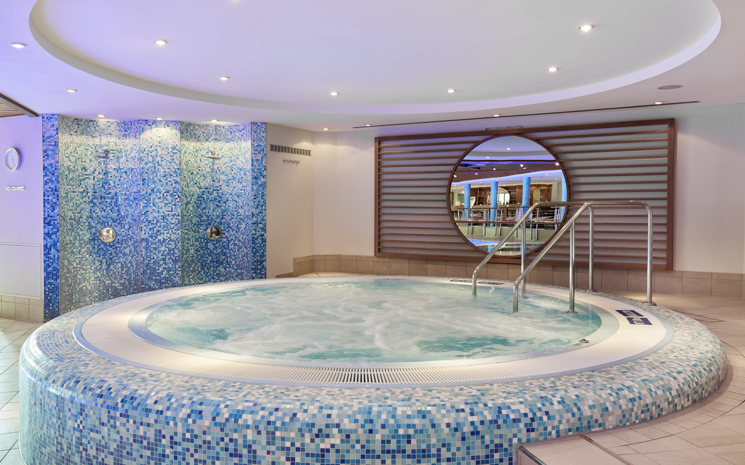 Jacuzzi Pool Preise Spa Intercontinental Wellness In Berlins Mitte