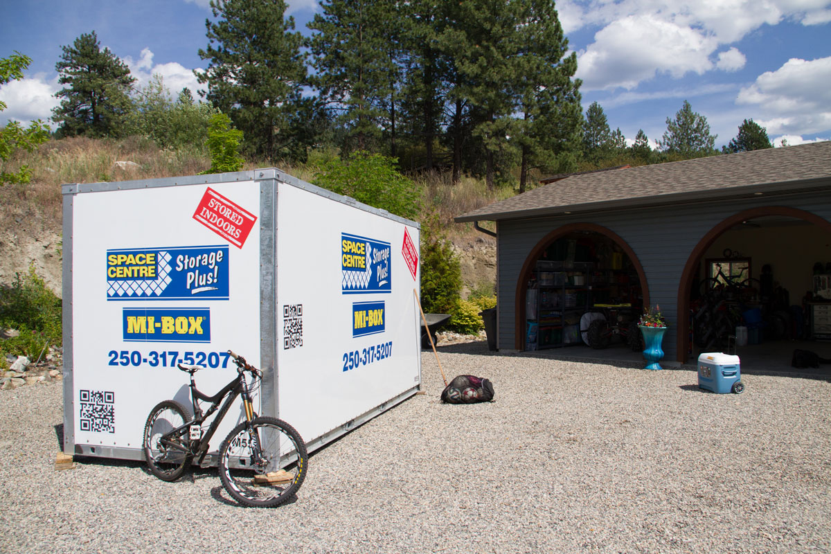 Kelowna Storage Containers Assist Okanagan Housing Spike Space Centre Storage Kelowna - Shipping Supplies Kelowna