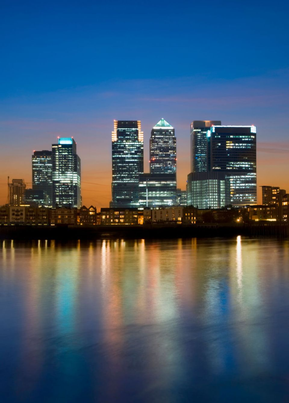 Picture of London offices at night - Out-of-hours CHURN occupied office space refurbishment