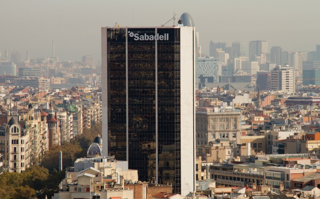 Sabadell Ready To Sell Real Estate Services Unit Spanish - Santander Sabadell