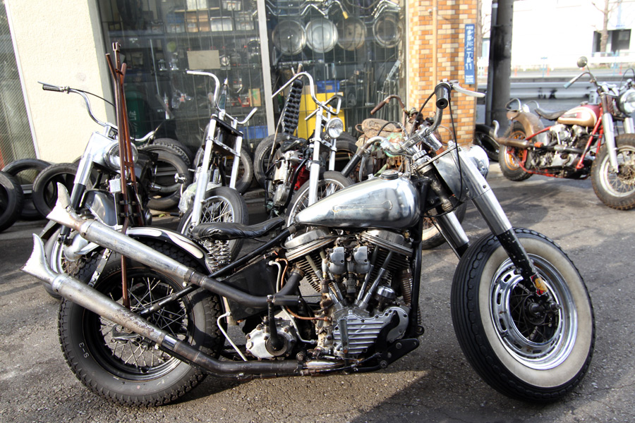 Hawg Holic Motorcycles :: via Sparetime