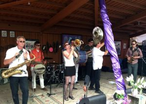 Idy Jazz Euphoria Brass Band