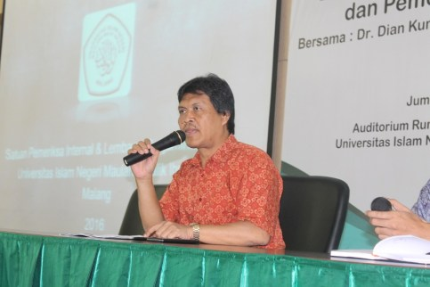 Rektor UIN Malang Saat Membuka Acara Workshop SOP