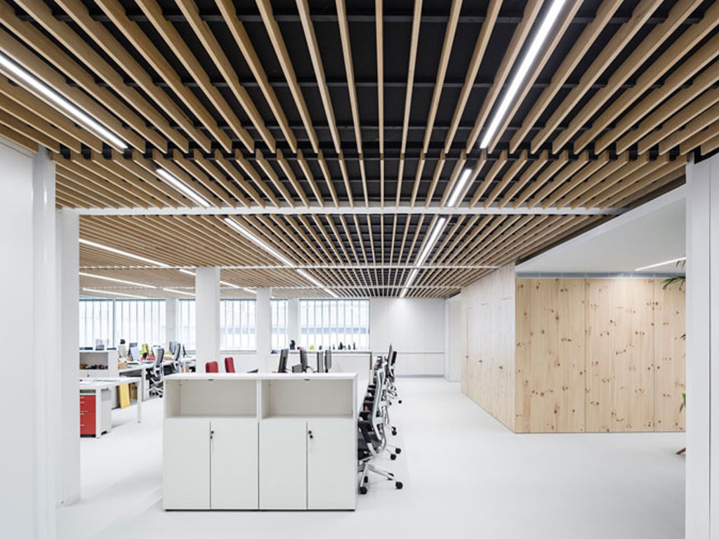 Faux Plafond Lambris Wood Slat False Ceiling - New Finsa Headquarters Offices