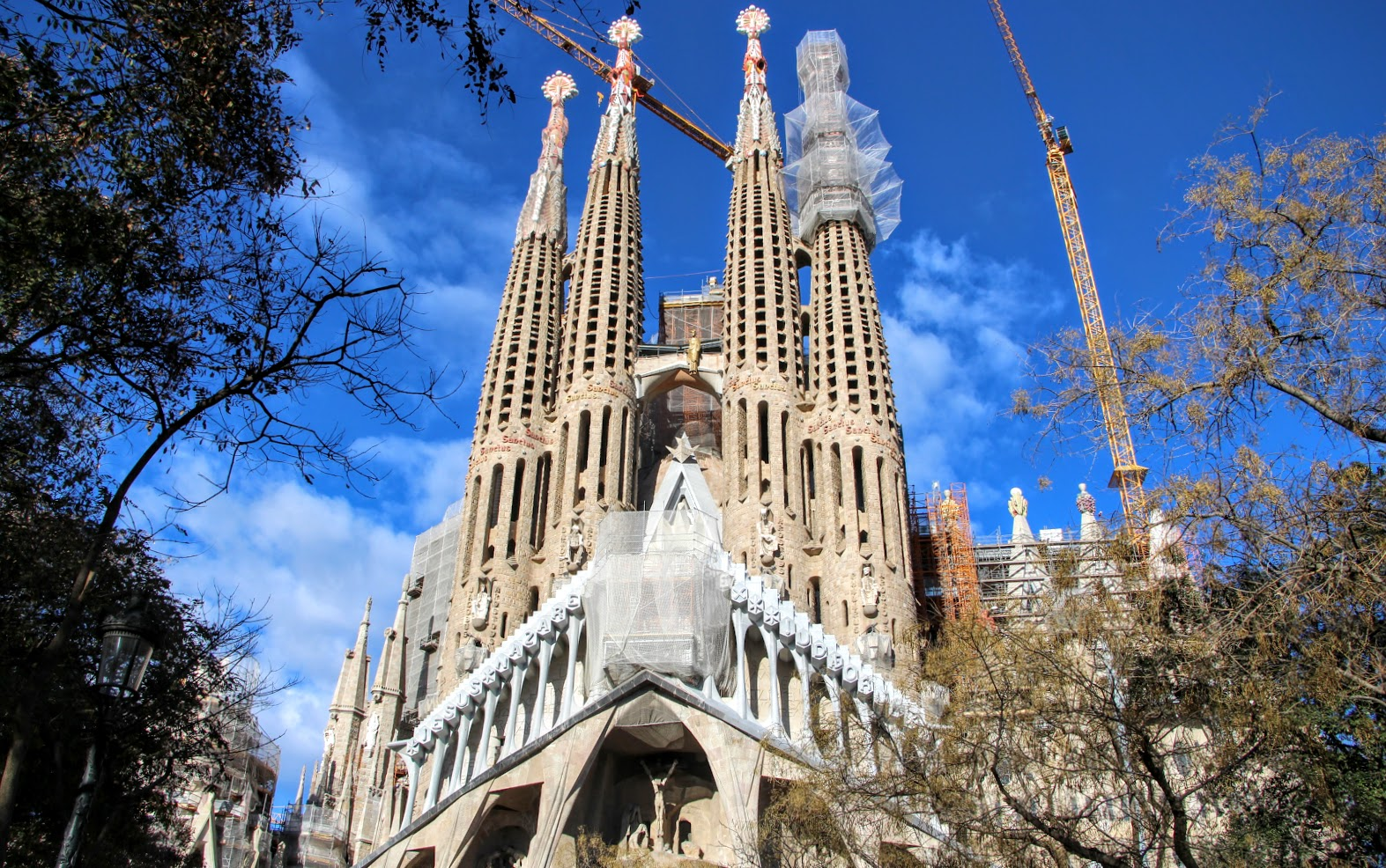 Architekt Barcelona Architecture By Bike Pedaling Your Own Gaudi Bike Tour In