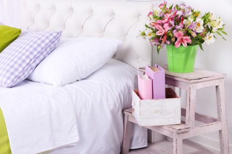 Το μοβ, το πράσινο και ένα μπουκέτο φρέσκα λουλούδια θα σας φέρουν καλή τύχη.