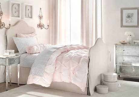Το ανοιχτό ροζ αποπνέει ρομαντισμό και θηλυκότητα.