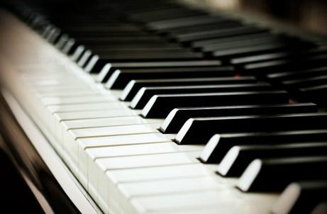 Βάλτε μαγιονέζα στα πλήκτρα του πιάνου για να τα κάνετε σαν καινούρια