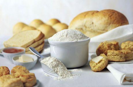 Με το αλεύρι μέχρι σήμερα φτιάχνατε μόνο ψωμί. Τώρα όμως θα φτιάχνετε και πλαστελίνη!