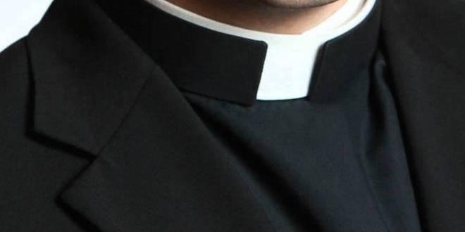 priestcollar