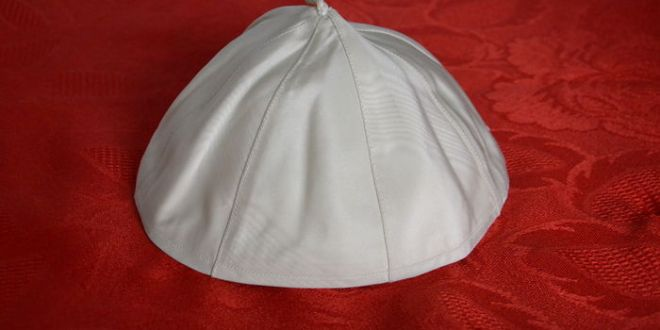 A skullcap worn by Pope Francis has been sold at auction for over $18,000/Photo courtesy of Catawiki.com