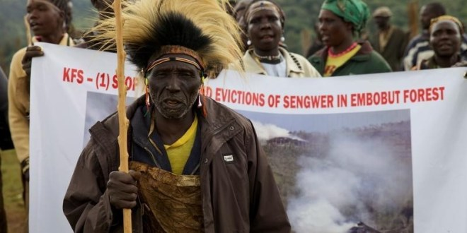 People from the Sengwer community protest over their eviction from their ancestral lands, Embobut Forest, by the government for forest conservation in western Kenya, April 19, 2016. REUTERS/Katy Migiro - RTSF0LB