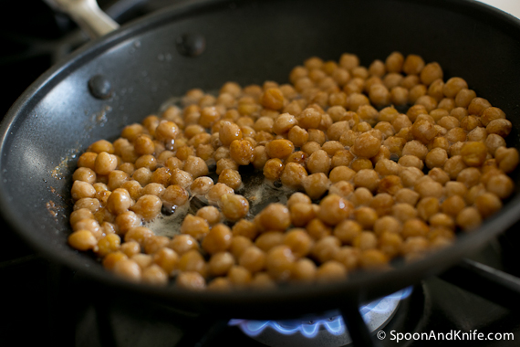 Garbanzo beans with cinnamon and sugar
