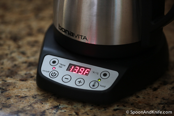 Using a variable temperature electric kettle to get water to the right temperature