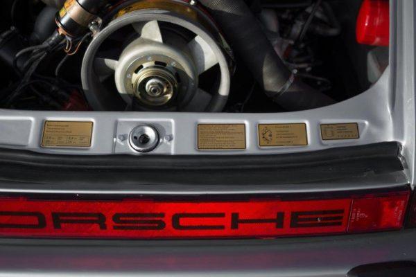 Porsche 911 Carrera 3.0-4